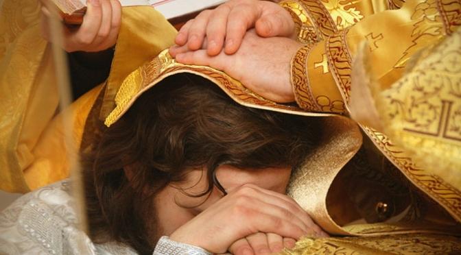 Навіщо батюшці канонічність